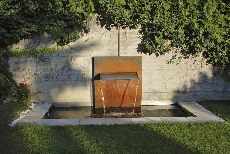 Wasserfallbrunnen Fur Den Garten Den Pool Den Teich